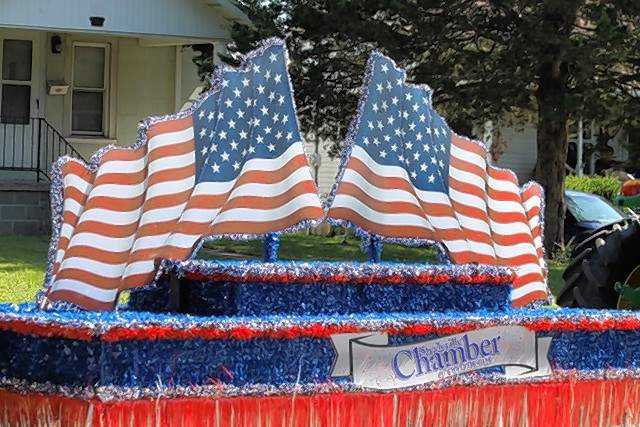 The Steeleville Chamber of Commerce float won first place in the  organizational category at the Fourth of July Parade in Steeleville. St. Mark's Lutheran Church won second and the Steeleville Jaycees won third  in the organizational category.