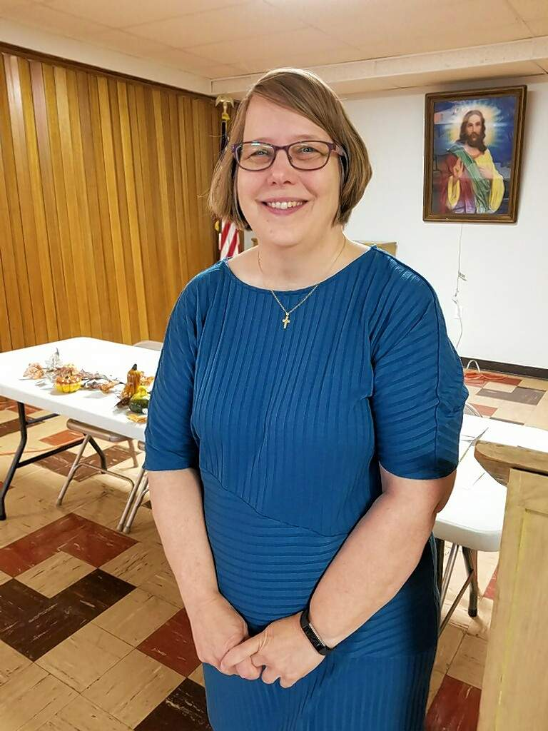 Carolyn Hubler, executive director of the St. Clair County Child Advocacy Center, spoke about the agency to the Chester Women's Club on Nov. 9.