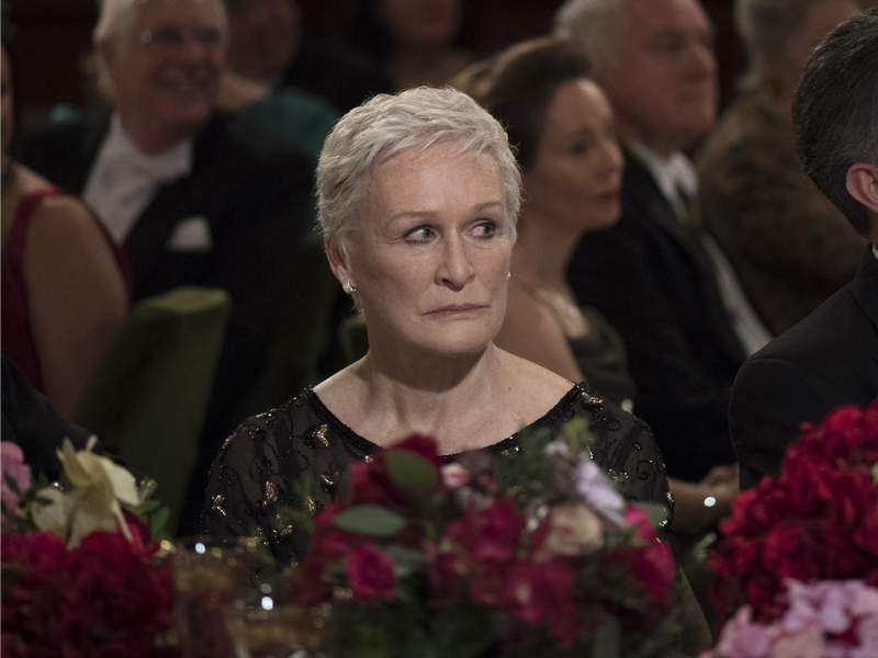 Will Glenn Close's role in 'The Wife' finally win her an Oscar? Film Critic Dann Gire predicts it will.