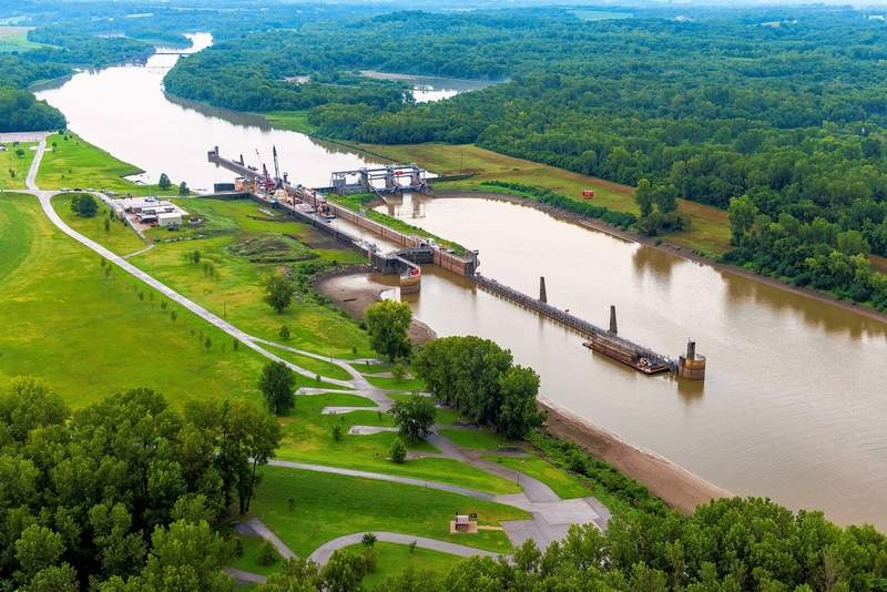 Aerial view of the Jerry F. Costello Lock & Dam on the Kaskaskia River.