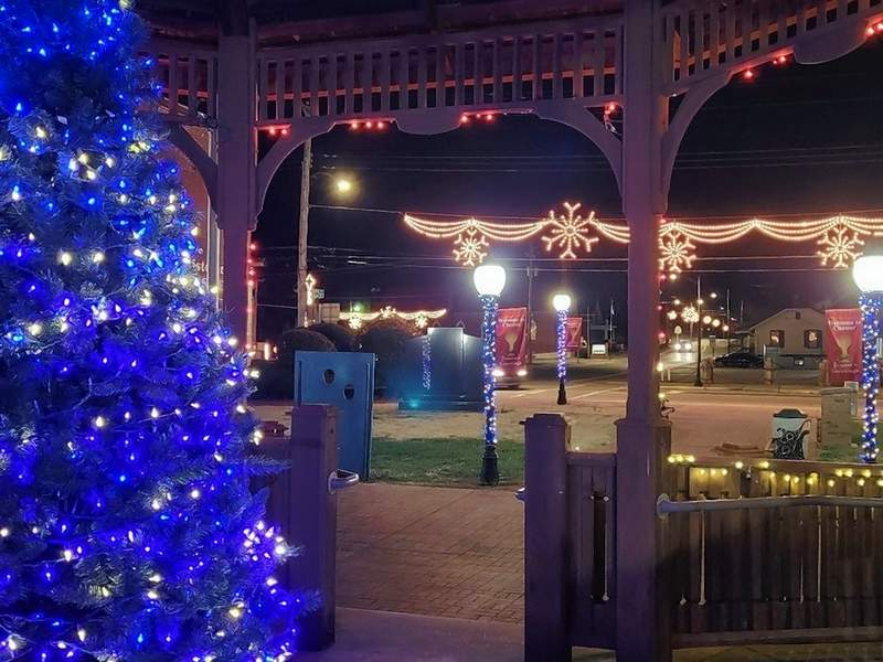 Chester's gazebo park and adjacent Memorial Park at State and Opdyke streets in Chester, is beautifully decorated for Christmas. Though the pandemic has caused the cancellation of all Christmas On The River activities, the city has spared no effort in making Chester a magical place to be this holiday season.